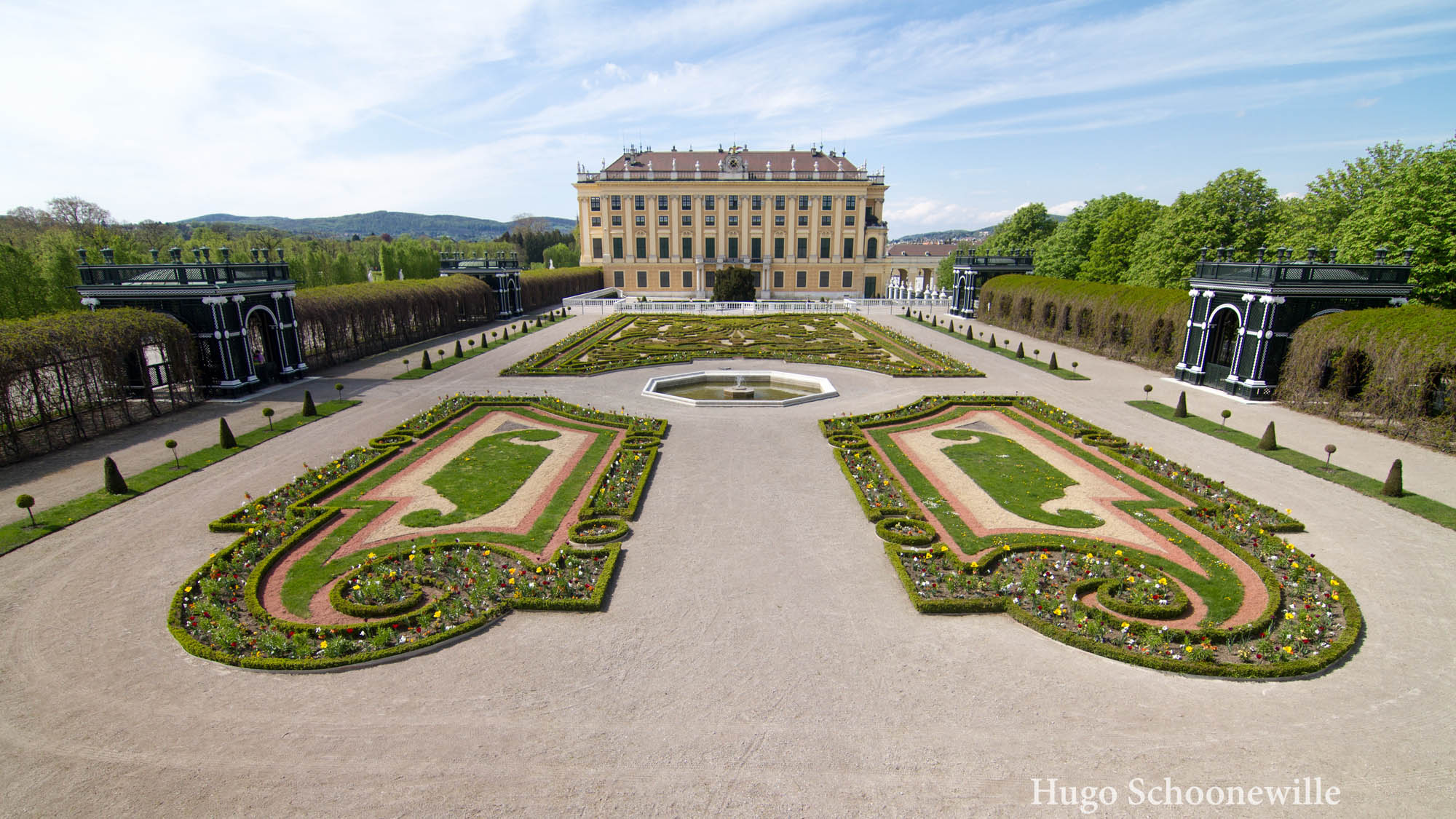 Uitzicht op de prachtige Kronprinzengarten in Wenen
