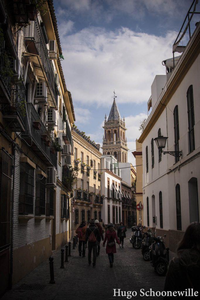 Een steegje in Sevilla