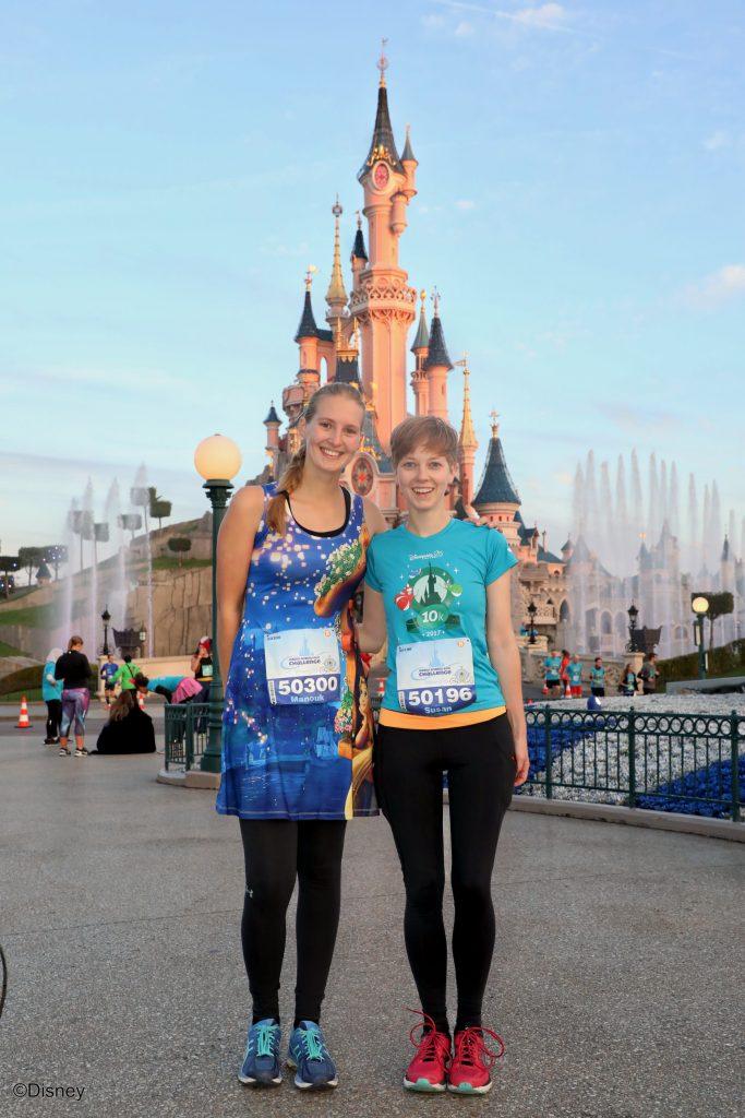 Op de foto met Sleeping Beauty castle tijdens het hardlopen in Disneyland Paris