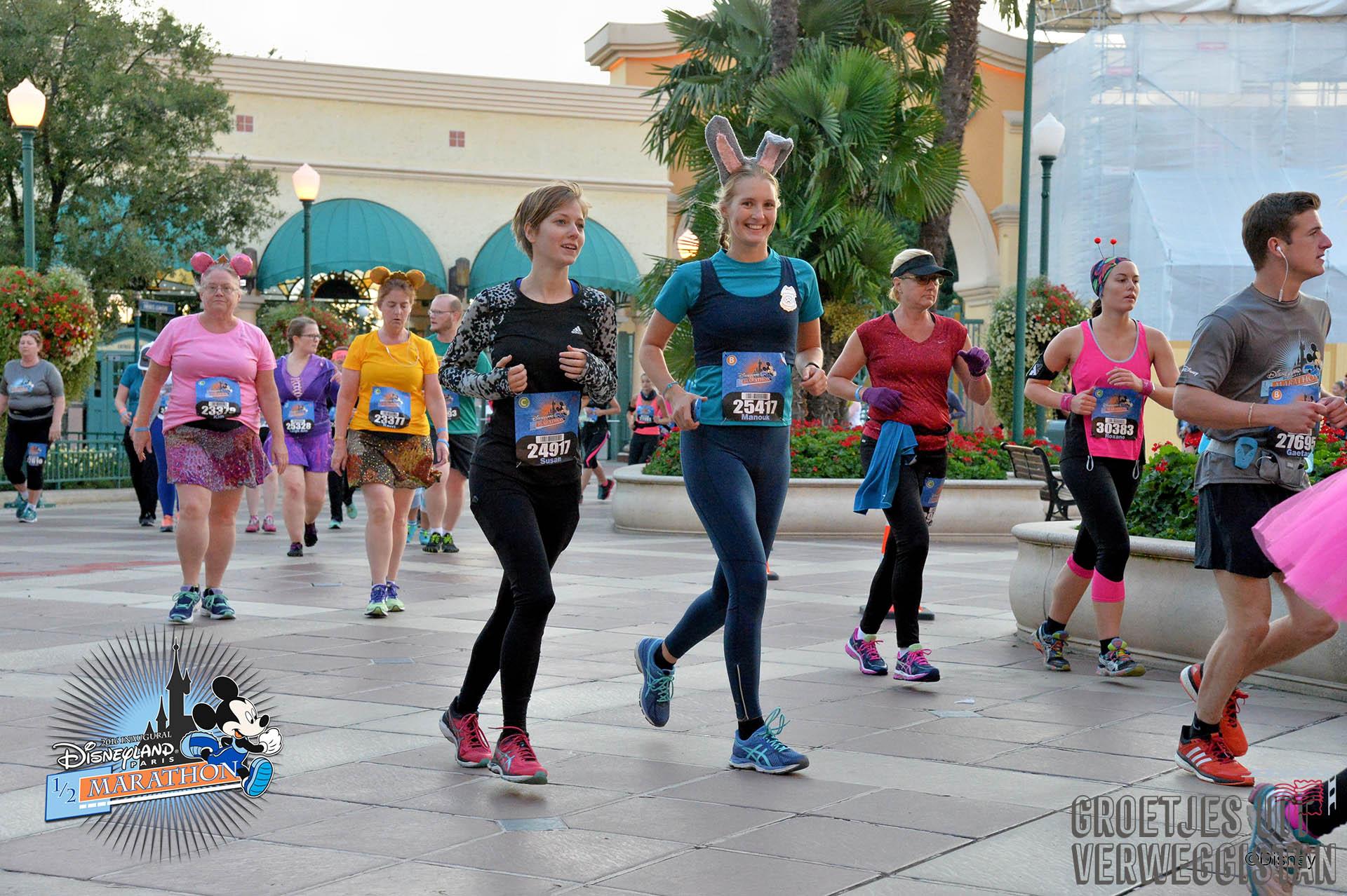 Hardlopen door Walt Disney Studios Park tijdens de Disneyland Paris Half Marathon