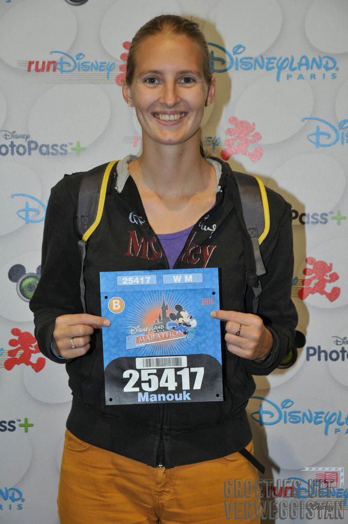 Op de foto met je startnummer voor de halve marathon in Disneyland Paris