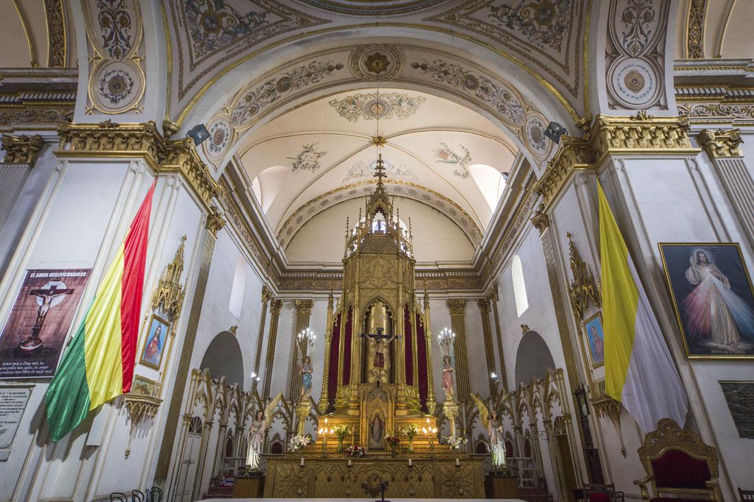 Interieur van de kathedraal van Cochabamba