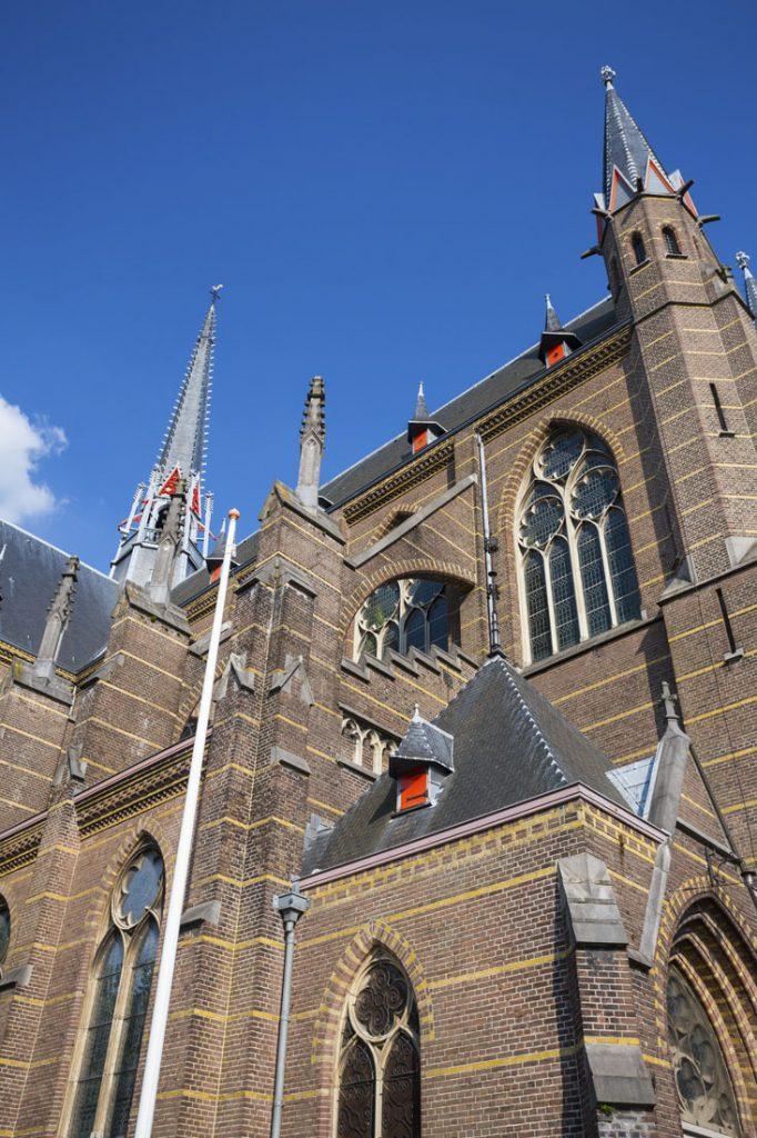 Het statige en grote gebouw van het Dominicanenklooster in Zwolle.