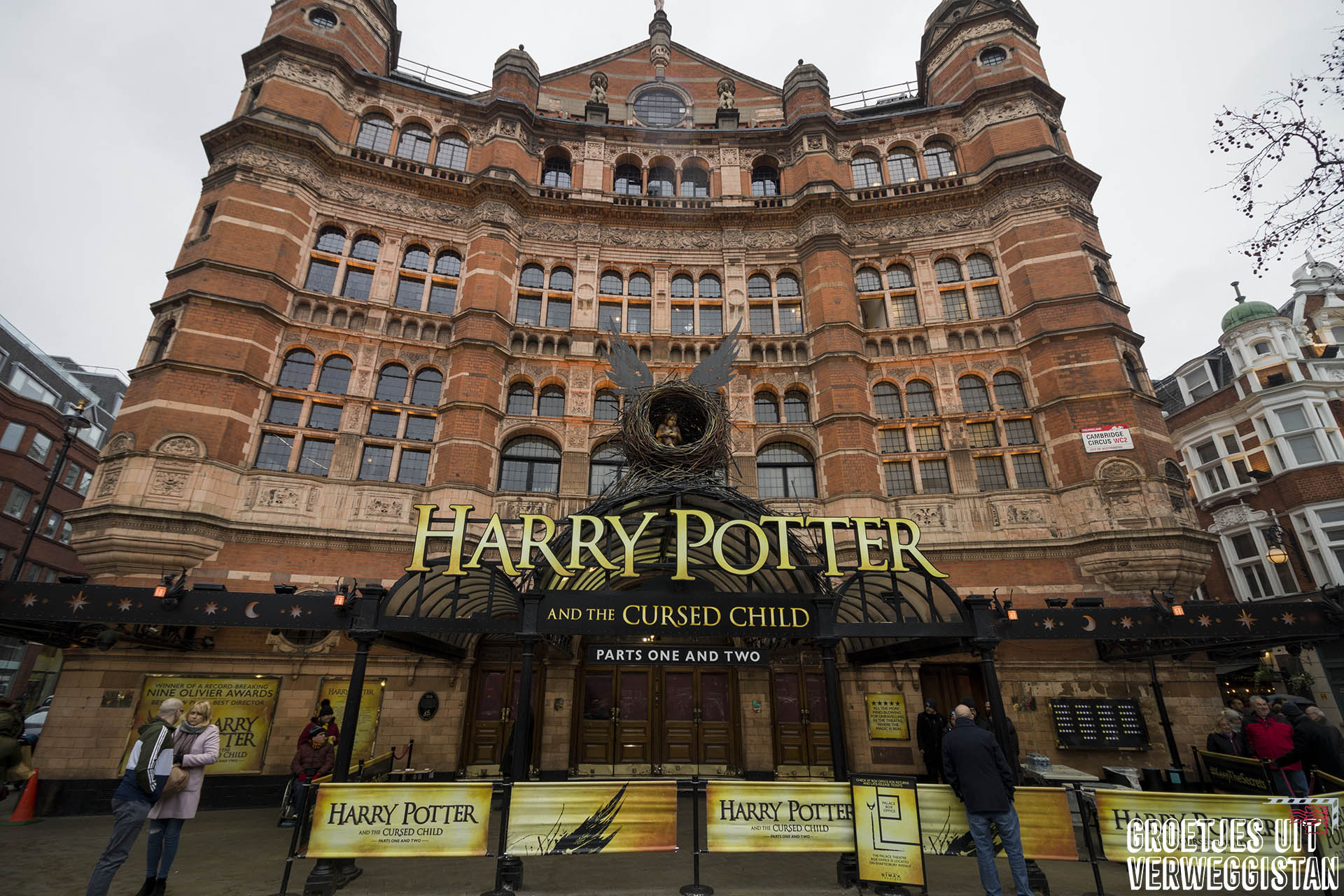 Buitenkant van Palace Theater, theater van Harry Potter and the Cursed Child in Londen
