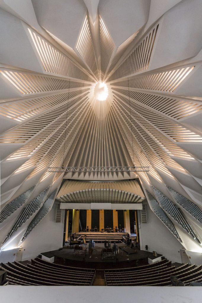 De binnenzijde van de zaal in Auditorio de Tenerife.