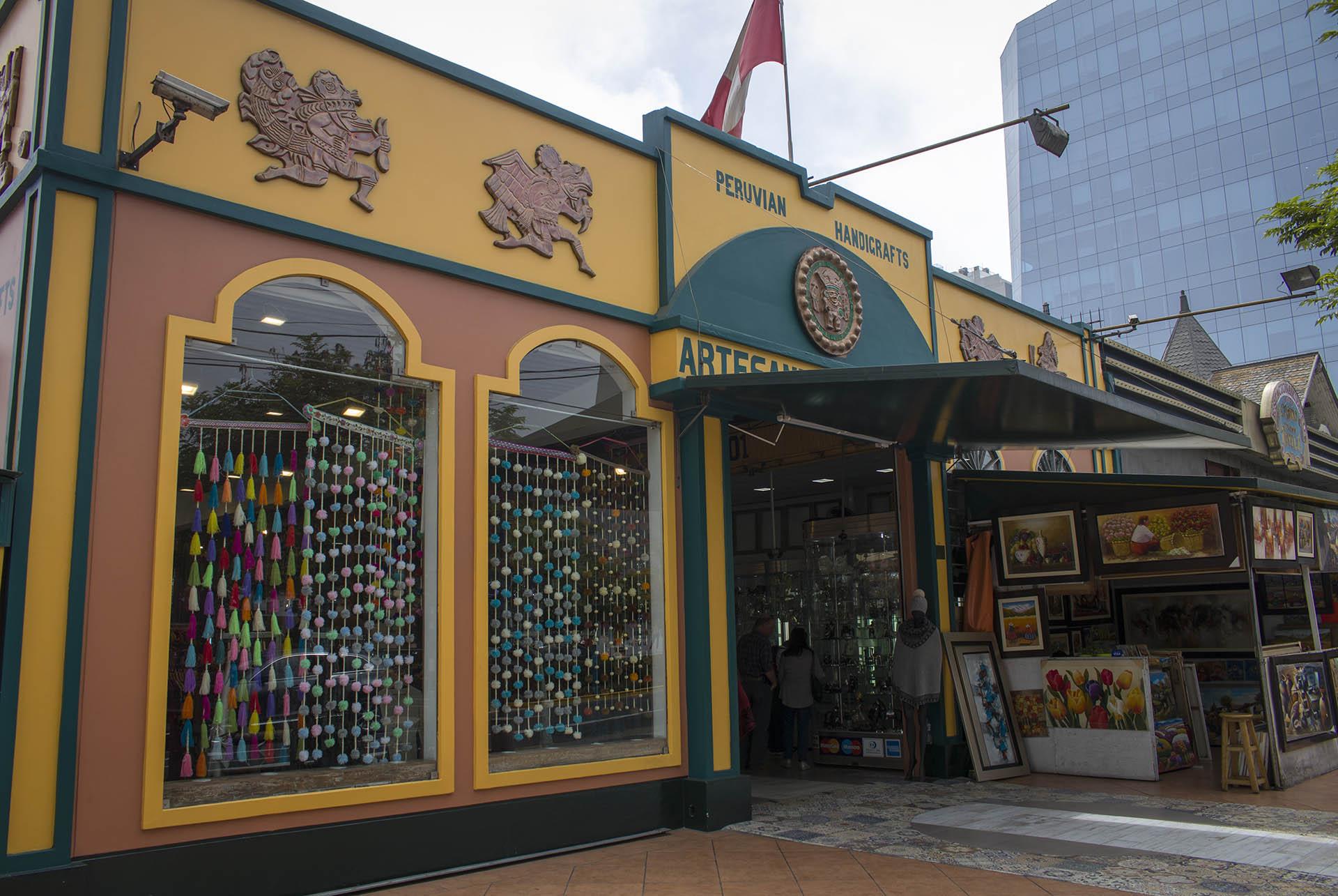 De Inka Market in Lima waar je allerlei souvenirs kunt kopen uit Peru.