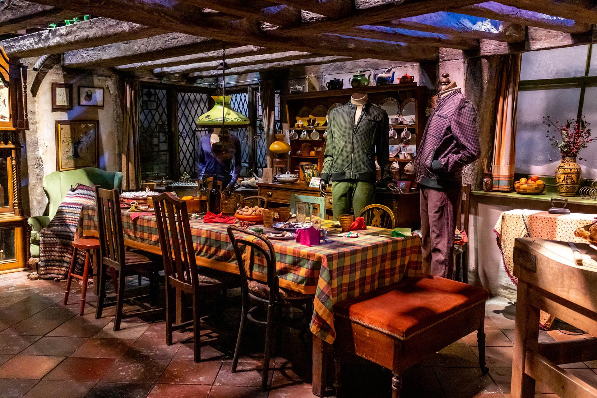 The Burrow of Het Nest: de woonkamer en keuken van de familie Weasley in de Harry Potter films