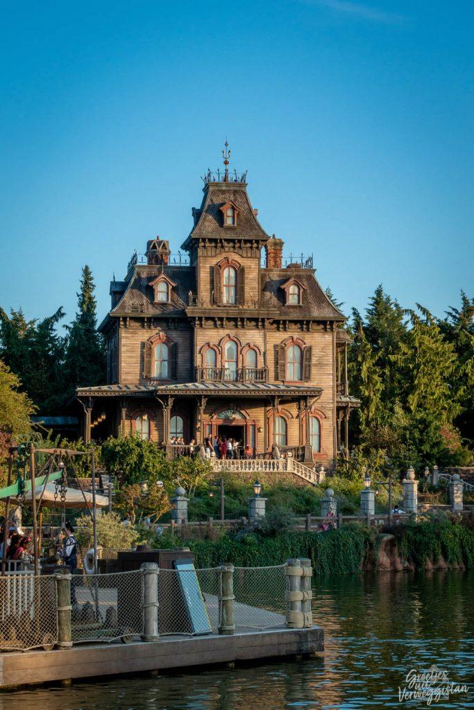 Phantom Manor, het spookhuis in Disneyland Paris in Frontierland.