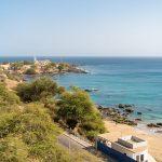Uitzicht over de oceaan en het strand in Praia