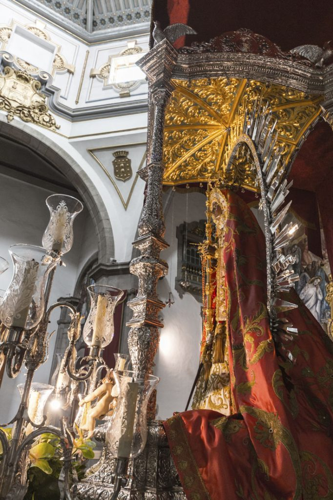 Het beeld in de kathedraal van Candelaria.