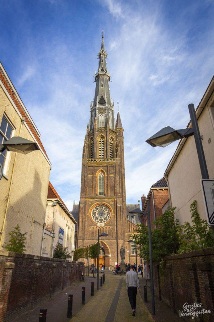 De toren van de Sint Bonifatiuskerk in Leeuwarden.
