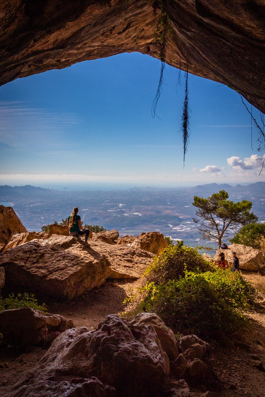 Uitzicht vanaf de tunnel in Sierra de Bernia
