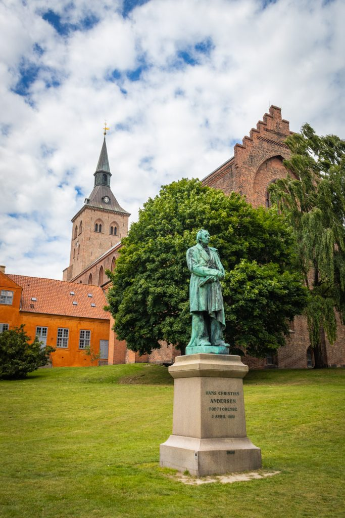 Standbeeld van Hans Christian Andersen in Odense