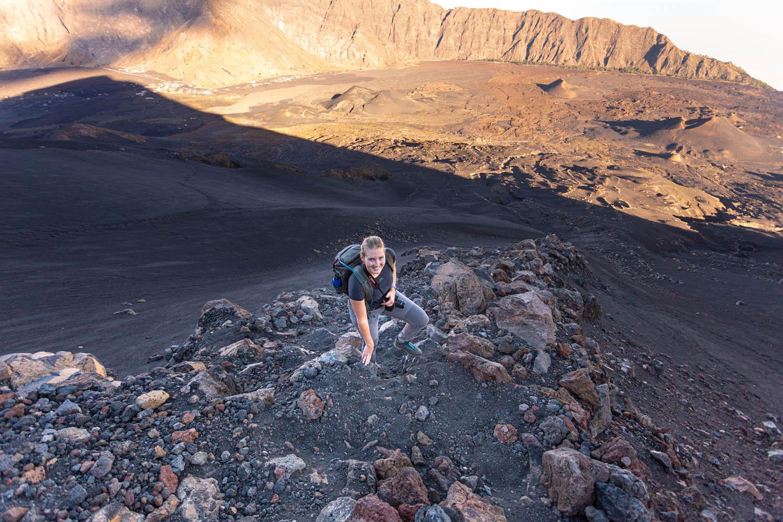 Manouk beklimt vulkaan Pico de Fogo op Kaapverdië.