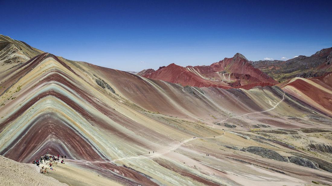 Het veelgekleurde Rainbow Mountain in Peru