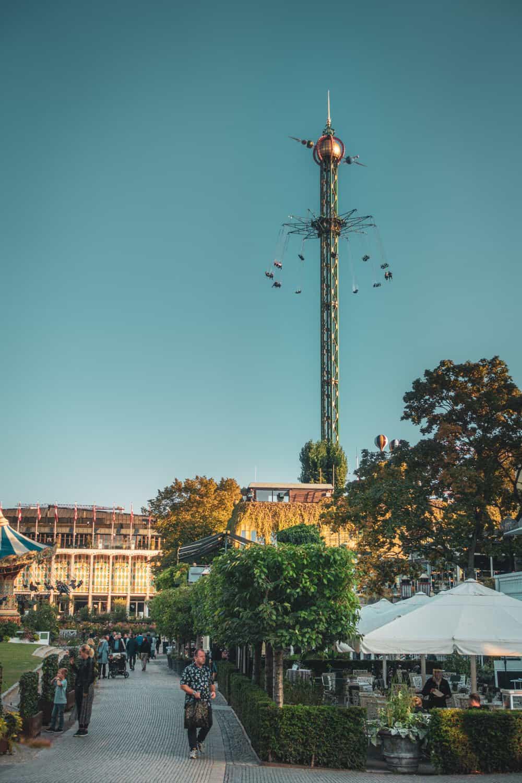 De attractie Himmelskibet in Tivoli in Kopenhagen