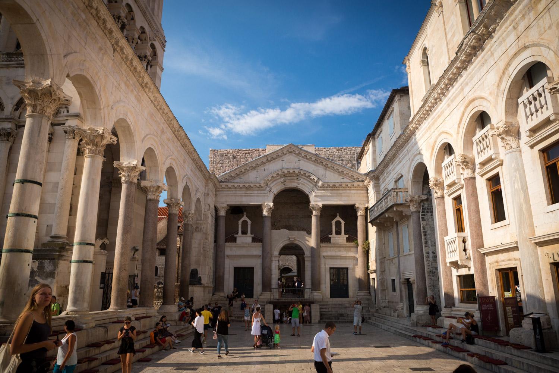 Het paleis van Diocletianus in het centrum van Split